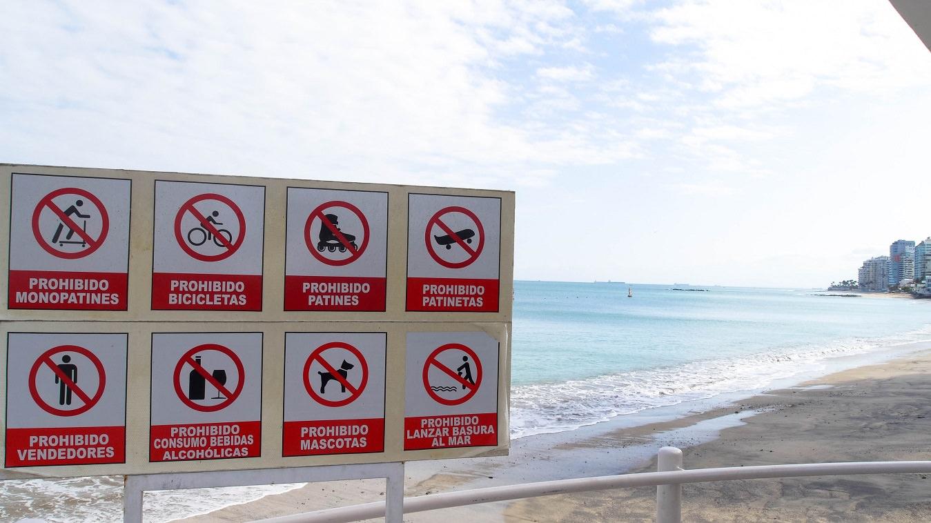 ecuador salinas beach prohibido